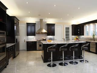 现代简约风格单身公寓奢华家具客厅与餐厅隔断装修效果图