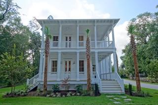 现代美式风格三层别墅现代奢华花园阳台设计图