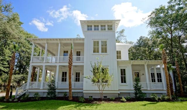 美式风格卧室三层别墅奢华庭院鱼池装潢