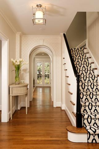 欧式风格三层小别墅舒适室内楼梯设计图效果图