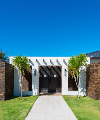 东南亚风格家具三层别墅及唯美庭院绿化装修