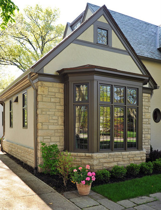 欧式风格三层双拼别墅简洁卧室窗户效果图