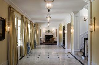 美式风格一层半别墅大气家装走廊吊顶设计