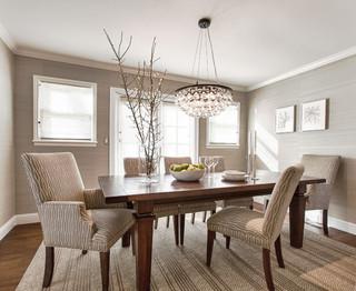 美式风格三层别墅及温馨客厅红木家具餐桌图片