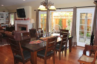 现代简约风格卧室2层别墅实用快餐桌图片
