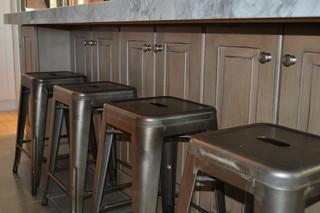 现代简约风格餐厅三层连体别墅简单实用餐边柜效果图