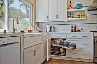 现代简约风格卫生间loft公寓简单温馨橱柜效果图