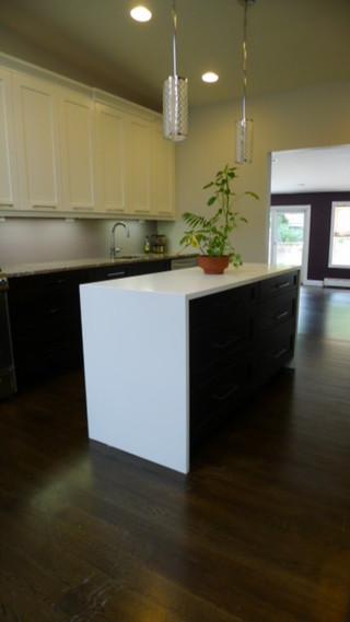 现代简约风格卫生间单身公寓厨房温馨装饰家庭餐桌图片