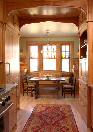 欧式风格三层平顶别墅温馨卧室红木家具餐桌图片