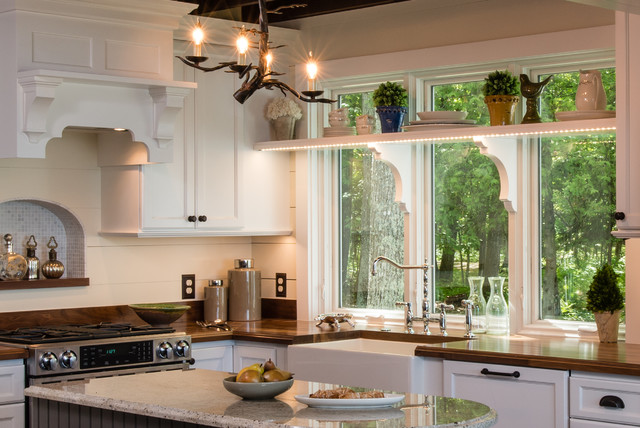 精装公寓卧室温馨白色家具装修效果图