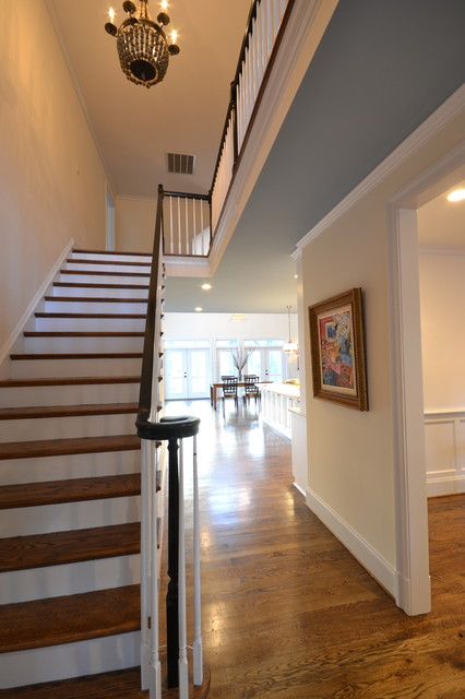 房间欧式风格三层平顶别墅时尚卧室装饰室内旋转楼梯设计