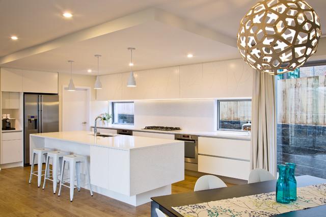 现代奢华白色家具开放式厨房客厅吸顶灯图片