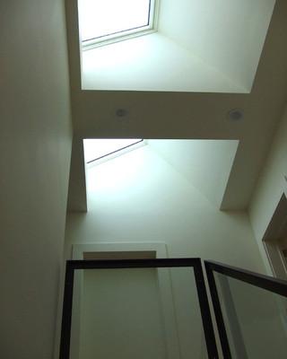 公寓简单实用白色卧室装修效果图