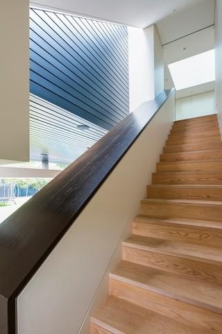 简欧风格老年公寓舒适住宅楼梯设计图装修效果图