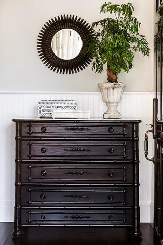 小公寓白色卧室收纳柜效果图