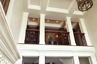 复式公寓欧式奢华白色门效果图