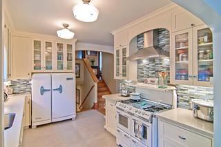 精装公寓时尚简约客厅4平米小厨房设计