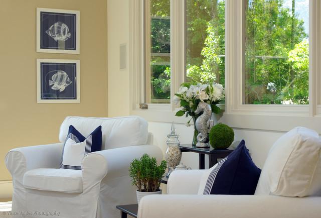 现代简约风格厨房单身公寓低调奢华单人沙发效果图