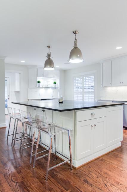 简洁白色地毯小户型开放式厨房厨房吧台设计