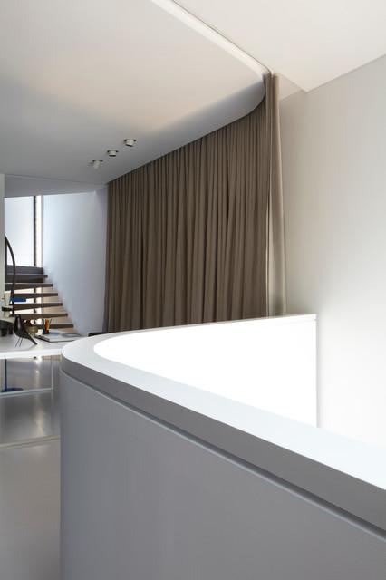 小户型公寓简洁灰色窗帘效果图