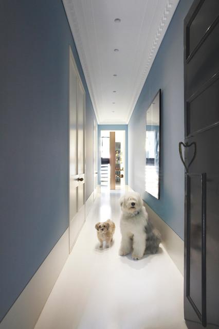 酒店式公寓现代简洁走廊吊顶设计图