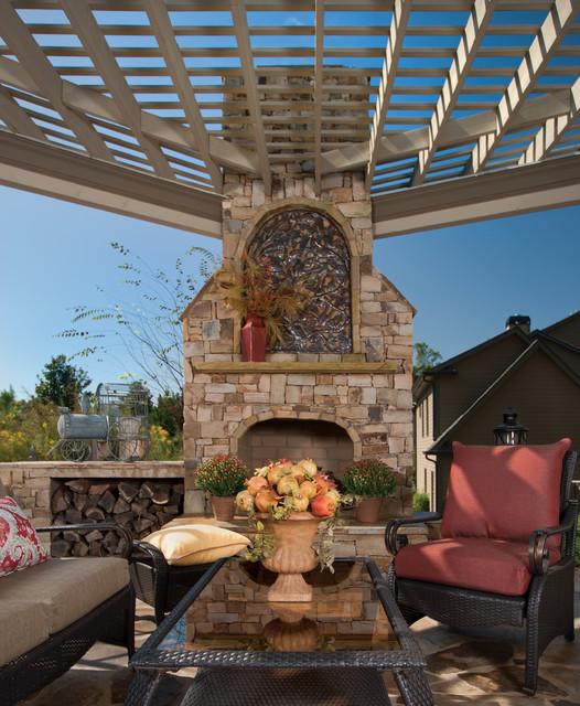 朋友聚會的好去處就在自家庭院 磚砌大型火爐