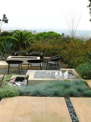 庭院里的小巧舒适设计