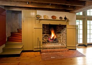 原木色设计经典之作 壁炉吊顶实木橱柜处处独具匠心