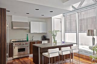 特里贝克地区现代公寓顶楼