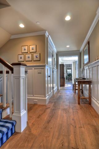 白橡木地板上的豪华欧式别墅