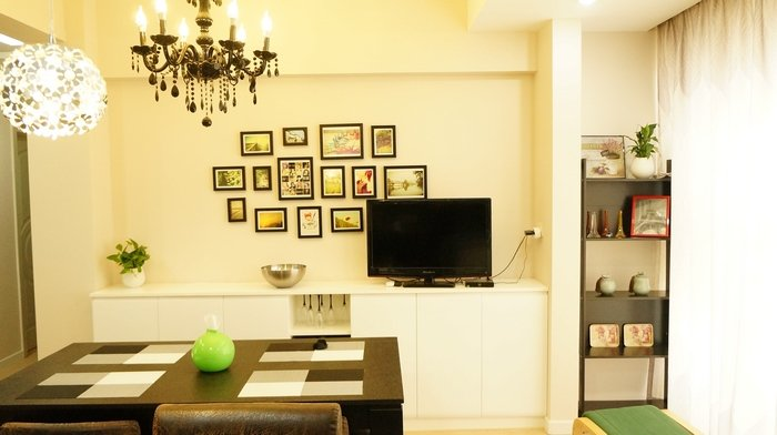 现代简约风格两室一厅温馨装修图片