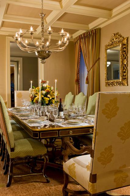 一层别墅及大气豪华型家用餐桌图片
