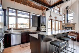 2层别墅梦幻家具开放式厨房吧台装修图片