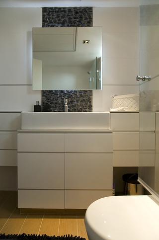 小户型简欧风格单身公寓设计图大气品牌浴室柜效果图