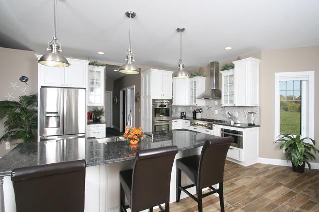 舒适开放式厨房餐厅吸顶灯图片