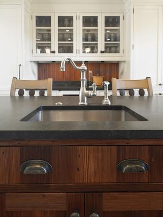 实用原木色家居开放式厨房客厅一体式台盆图片