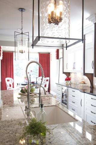 一层半小别墅欧式豪华白色欧式雷士吸顶灯图片