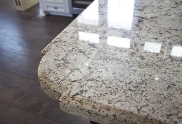 三层别墅豪华卫生间白色家居大理石餐桌效果图