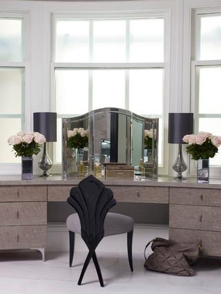 大户型客厅卫生间黑白宜家椅子图片
