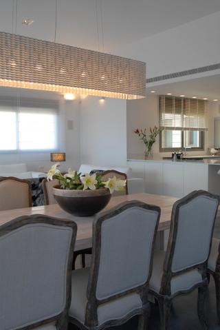 宜家风格客厅简单实用经济型红木家具餐桌图片