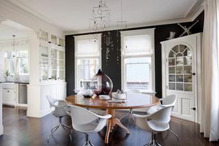 现代简约风格三层半别墅小清新实木餐桌图片