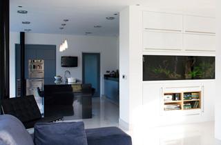 地中海风格卧室一层半别墅大气开放式厨房吧台装修效果图