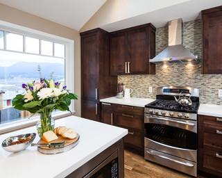 现代简约风格卧室复式客厅吊顶简单温馨花瓶效果图