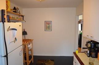 现代简约风格卧室单身公寓设计图小清新室内木制花架图片