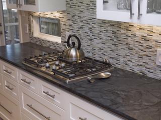 现代简约风格卧室50平小复式楼温馨客厅大理石餐桌图片