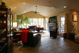 现代简约风格厨房一层半别墅大气最新水晶灯效果图