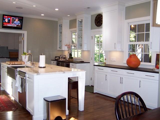 中式风格别墅一层别墅稳重实木餐桌效果图