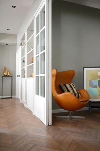 现代简约风格三层别墅及浪漫婚房布置单人沙发图片