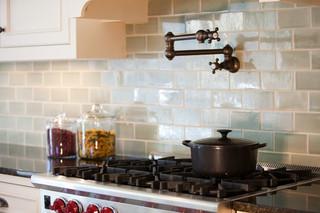 现代简约风格卧室豪华卧室富裕型全抛釉瓷砖效果图