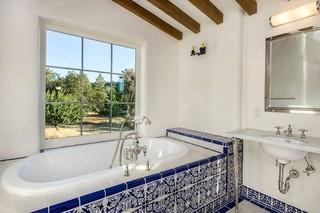 混搭风格客厅单身公寓艺术浴缸龙头效果图